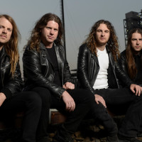 Stream – Airbourne 'Black Dog Barking'