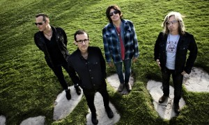 Stone Temple Pilots Release New Song Featuring Chester Bennington